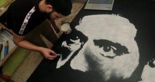 هنرمند مصری که با نمک نقاشی میکشد